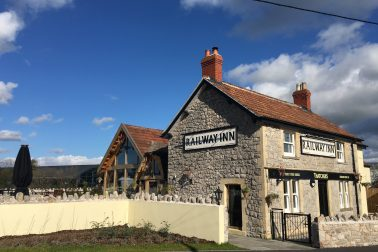 THE RAILWAY INN, THATCHERS